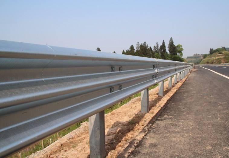 波形护栏碰撞事故的研讨及防护